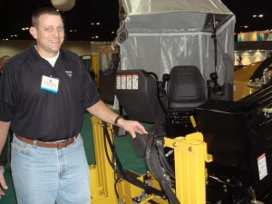 Chris Root of Vermeer demonstrates an HDD rig with automatic pipe loading.
